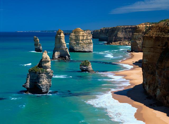 """18870 Фото і опис: Велика Океанська Дорога і скелі """"12 апостолів"""""""