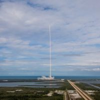 20241 SpaceX вперше запустила вже літав вантажівка Dragon. І посадила одинадцятий за рахунком першу сходинку Falcon 9