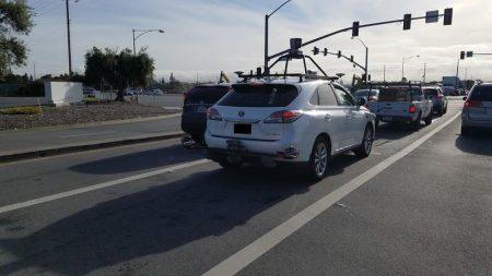 Тім Кук вперше підтвердив, що Apple працює над технологіями автономного водіння