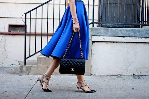 22422 Синя спідниця — незамінна деталь для справжньої модниці