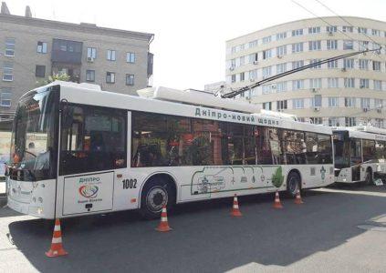 22512 В Україні випустили нові тролейбуси «Дніпро Т-203» з запасом автономного ходу до 15-20 км