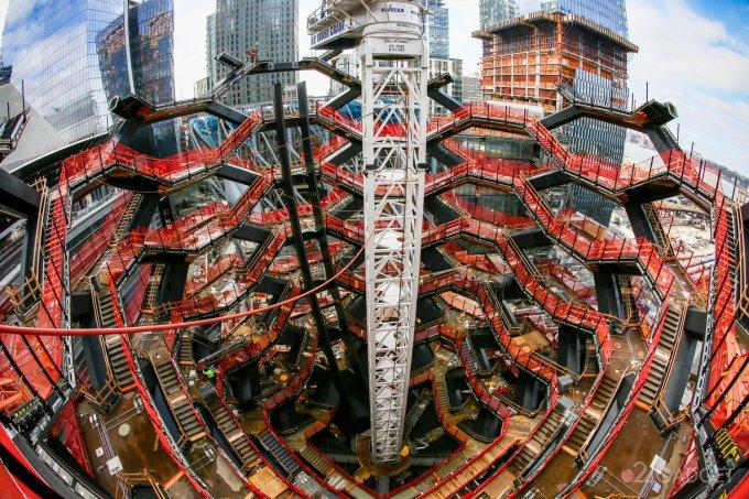 31851 У Нью-Йорку будують оглядовий майданчик з «нескінченною сходами» (26 фото + відео)