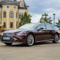 41337 Чем удивляет новый флагманский седан от «Лексус». Lexus LS 500
