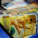 41901 У світі зникає готівка. Банкіри не знають, куди йдуть гроші