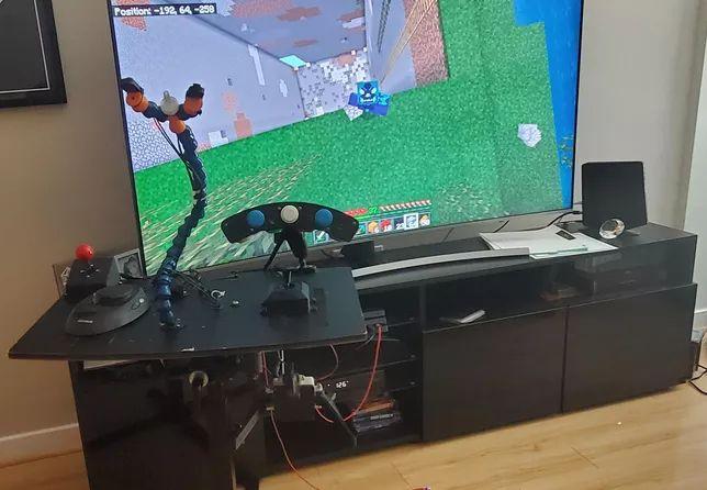 43403 Як людям, які втратили кінцівки, повертають можливість грати в комп'ютерні ігри