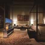 45405 LG Signature OLED TV R — телевизор за 87 000 долларов, который может сворачиваться в трубочку