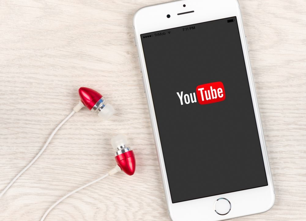 45732 Як на iPhone слухати YouTube з вимкненим екраном