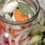 46250 Кладем в банку курицу и овощи, ставим в духовку и забываем на пару часиков