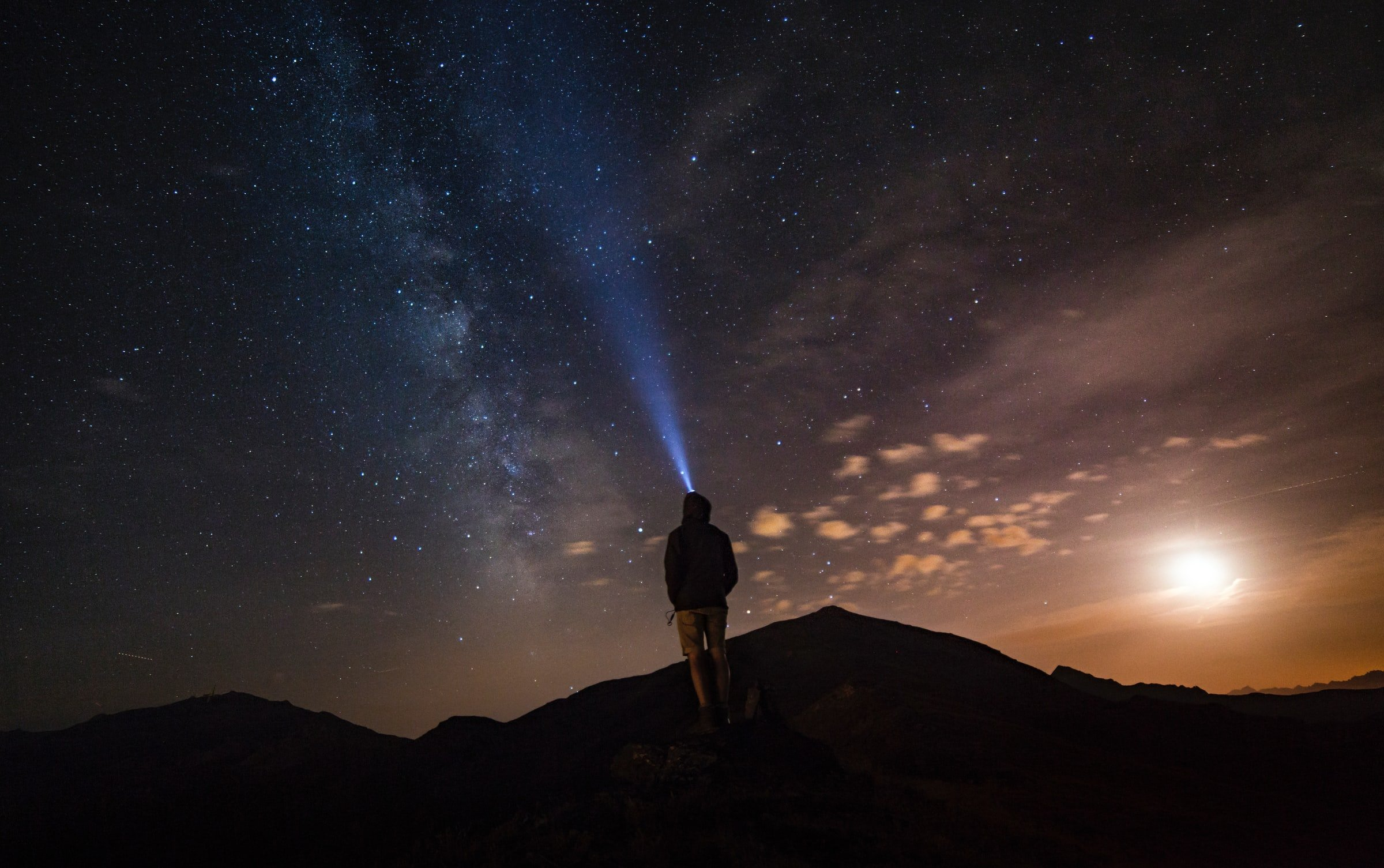 47826 Вчені зафіксували в космосі дивний сигнал, і є підозри, що це прибульці